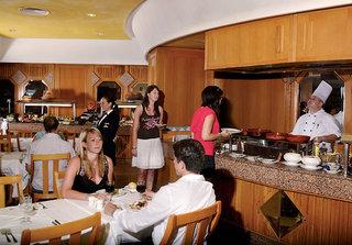 Riu Waikiki, Restaurant